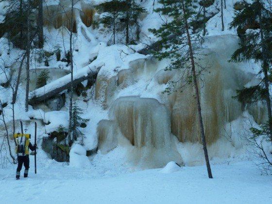 Vereister Wasserfall zum Eisklettern