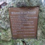 Hinweisschild am Wasserfall Bad Urach