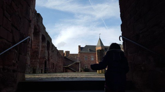 Der Burghof der Burg Nideggen